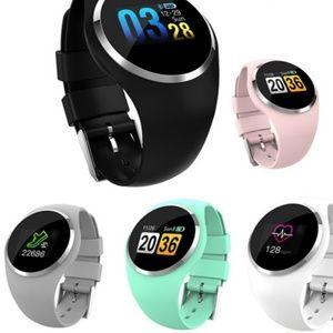 Q1 smart watch